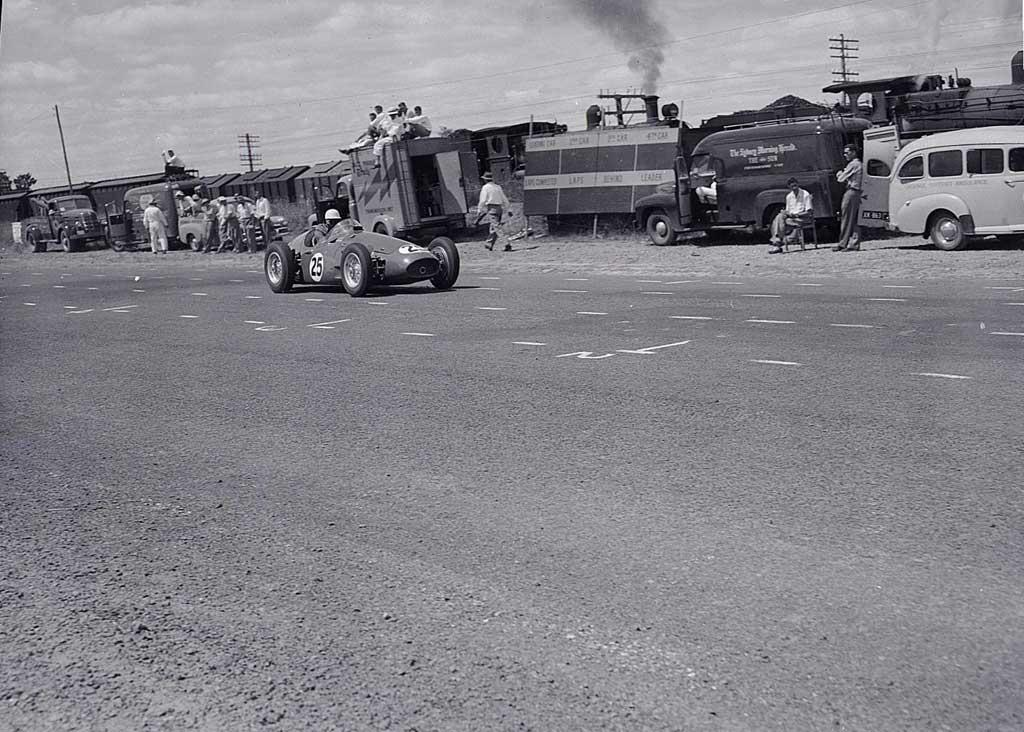 Gnoo Blas -Jan 29 1956 - Reg Hunt